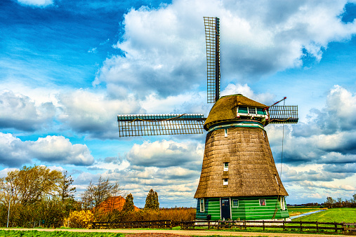 istock Traditional Dutch Windmill on a Typical Canal in Netherlands 522334081