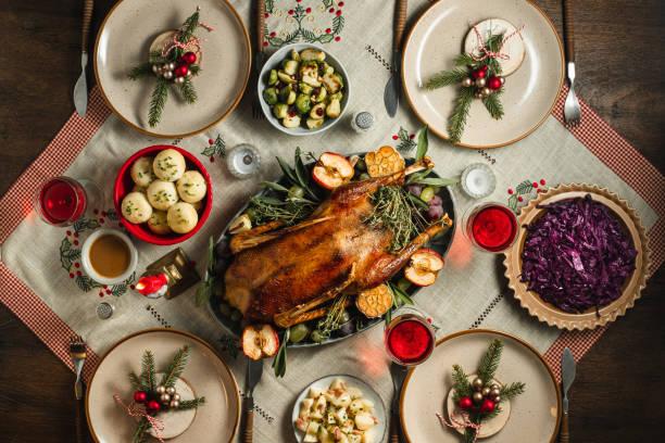 tradycyjna niemiecka kolacja bożonarodzeniowa - kapustowate zdjęcia i obrazy z banku zdjęć