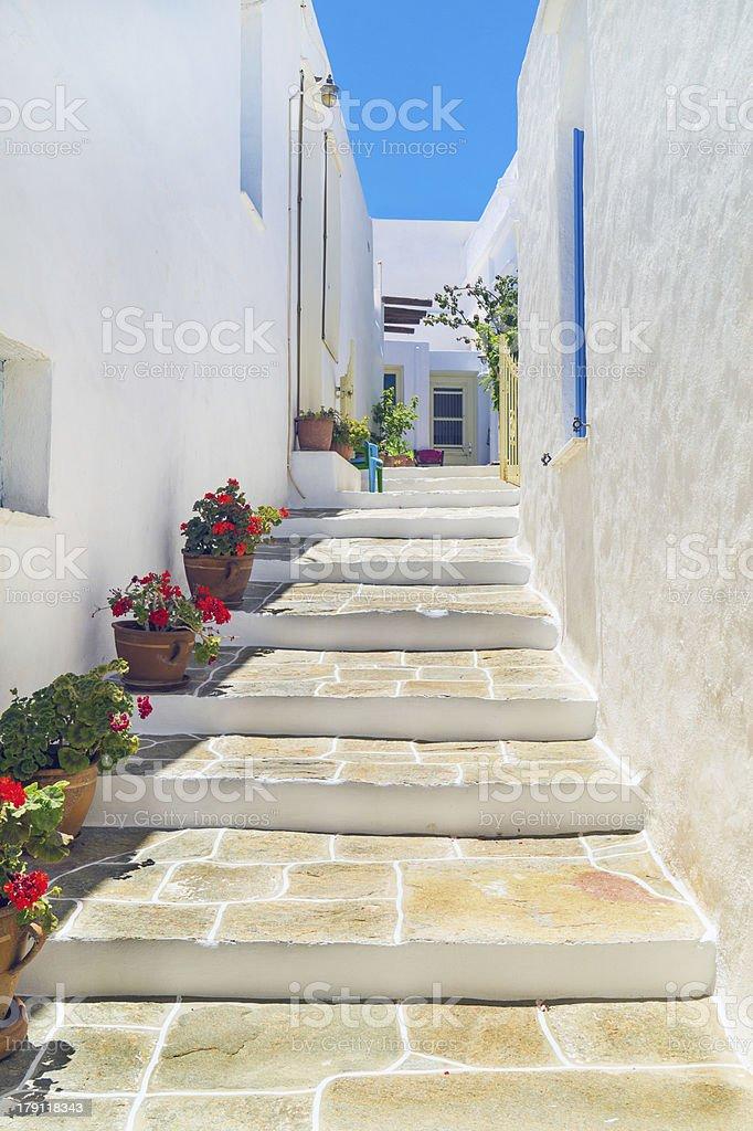 伝統的なギリシャの家にシフノス島ギリシャ - キクラデス諸島の ...