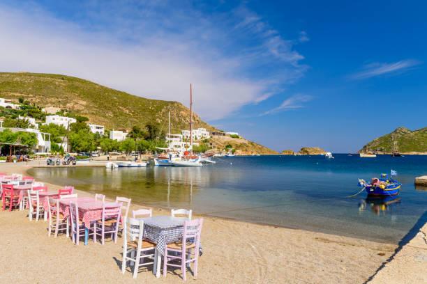 Traditionelle griechische Taverne am Strand von Grikos – Foto