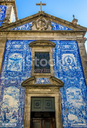 937530990 istock photo Traditional historic facade in Porto decorated with blue hand painted tin-glazed tiles, Oporto, Portugal 978526078