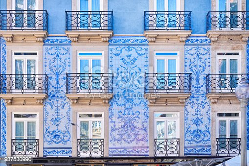 istock Traditional historic facade in Porto decorated with blue tiles, Portugal 937530990