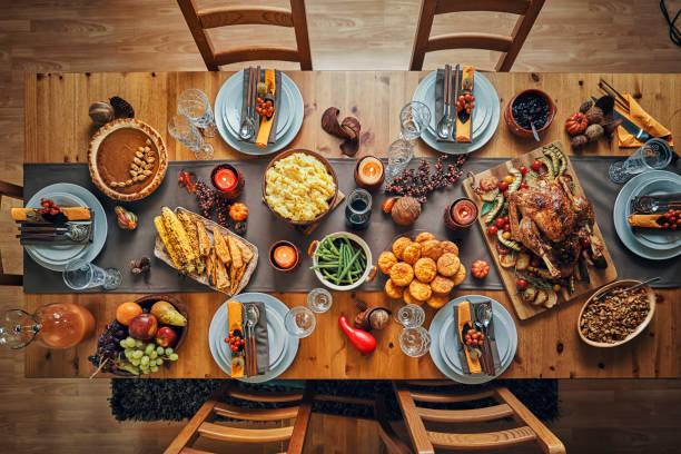 traditional holiday stuffed turkey dinner - turkey zdjęcia i obrazy z banku zdjęć