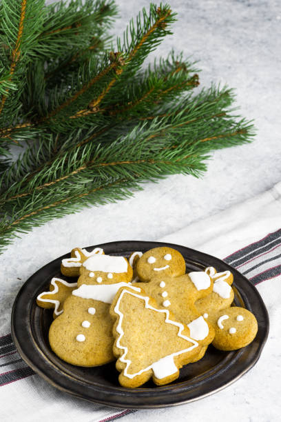 Traditional homemade Christmas biscuits on a delicate background. - foto stock