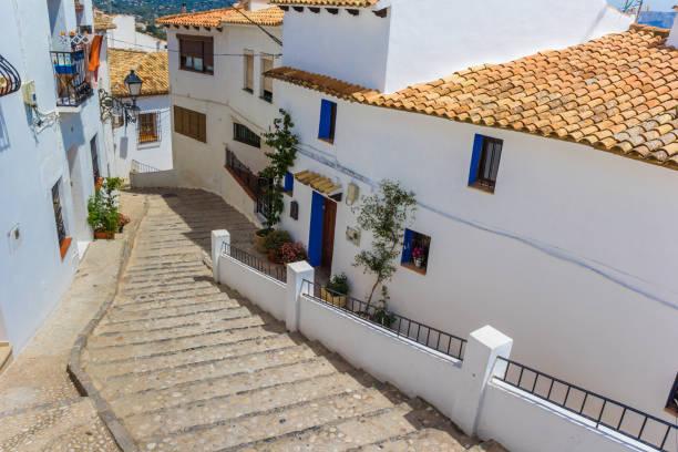 Casas tradicionales y pasos en Altea, España - foto de stock
