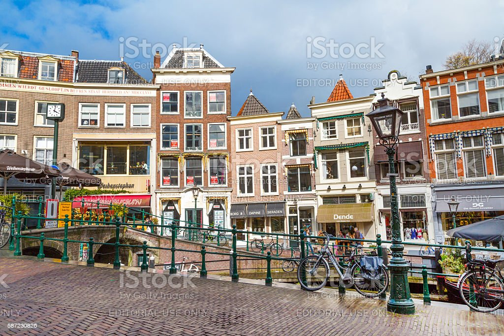 photo libre de droit de traditional houses in downtown of leiden