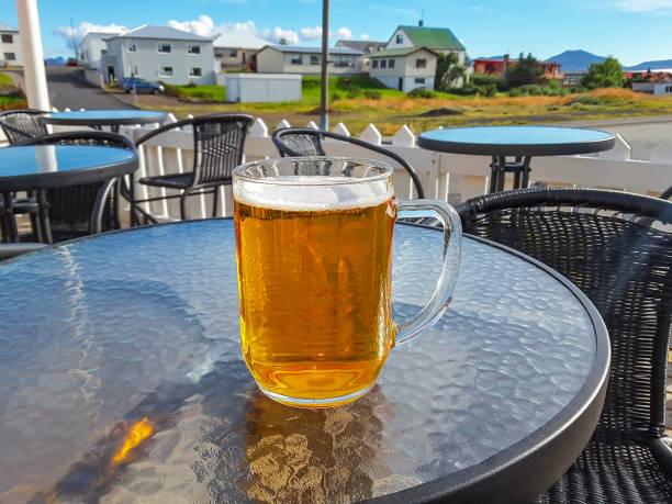 Traditionelle isländische Bier in eine große Tasse, Island – Foto