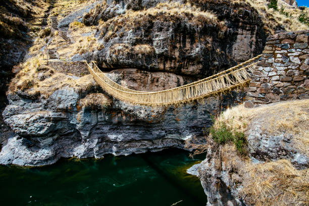 トラディショナルインカブリッジ - インカ ストックフォトと画像