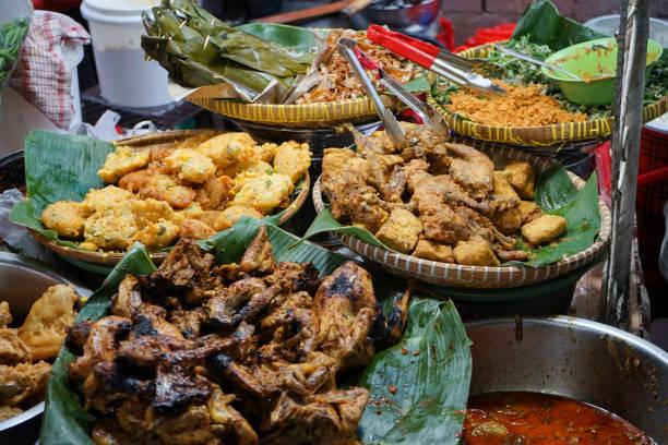 traditional indonesian cuisine - kultura indonezyjska zdjęcia i obrazy z banku zdjęć