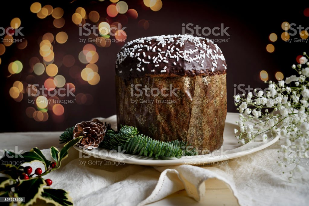 Traditional Italian Christmas cake, Panettone - foto stock