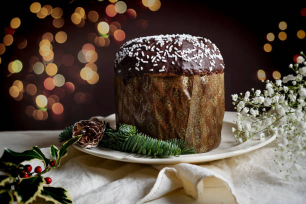 Traditionelle italienische Weihnachtskuchen Panettone – Foto