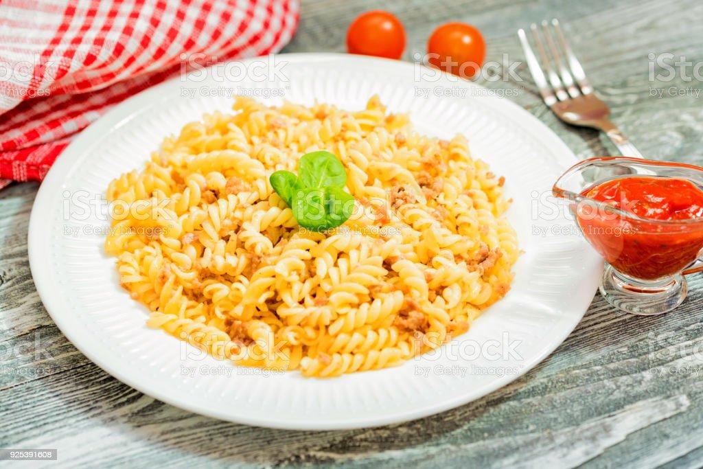 Traditionelle Italienische Pasta Oder Spiralen Mit Hackfleisch Stock