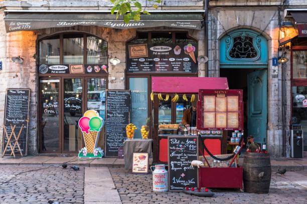 Traditionelle Lyonnaise Bouchon – Foto