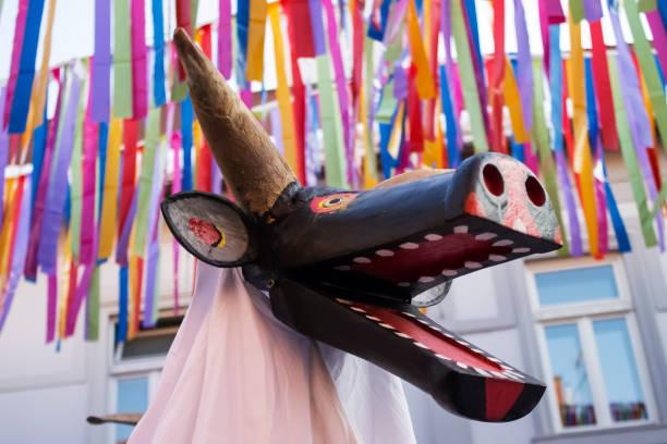 traditionelle maske - cro maske stock-fotos und bilder