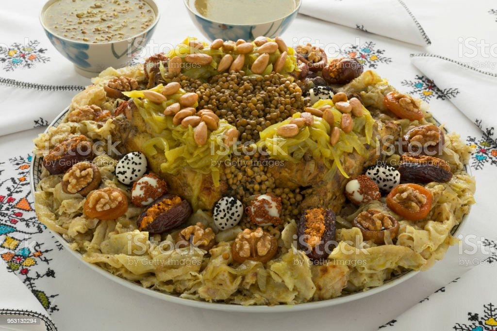 Rfissa Marocaine Traditionnelle Et La Sauce – Photos et ...