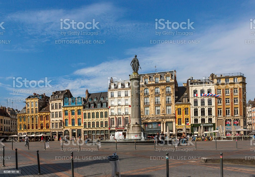 Traditional old buildings by downtown street at lille france – Foto