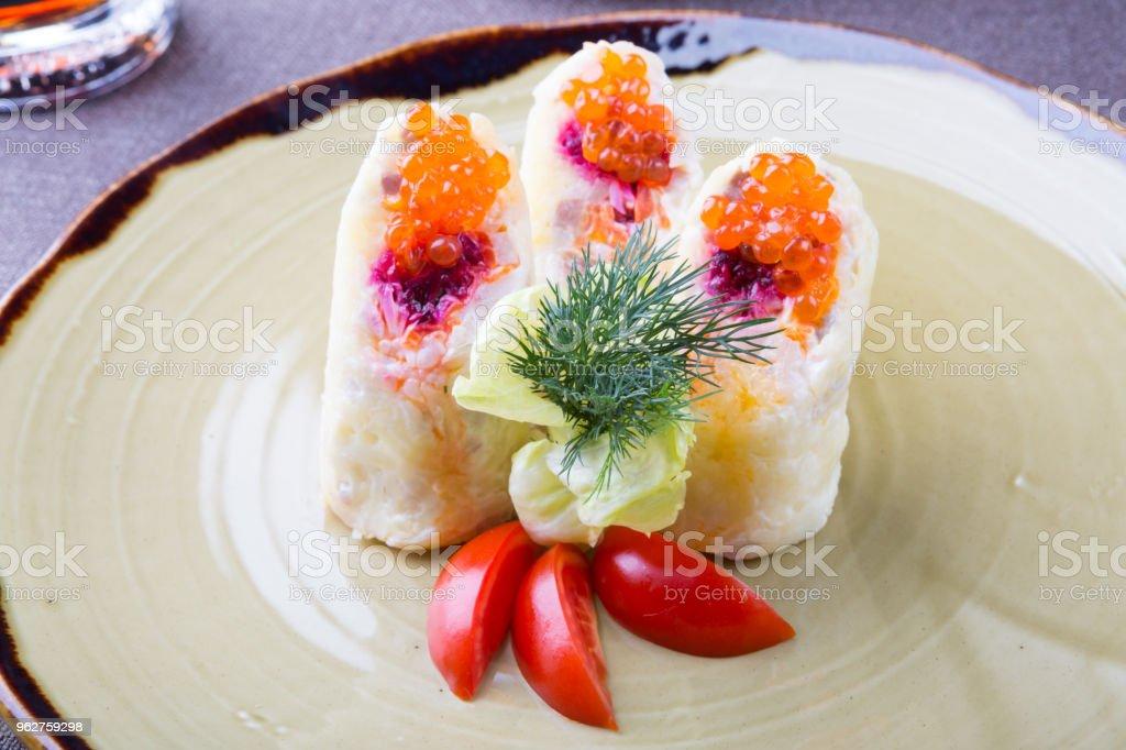 Traditional russian herring salad - Foto stock royalty-free di Alimentazione sana