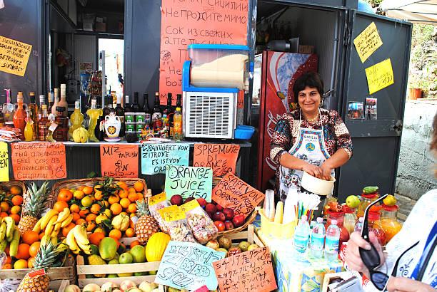 traditionelle sales-marktstand in palermo, sizilien - st. vincent und die grenadinen stock-fotos und bilder