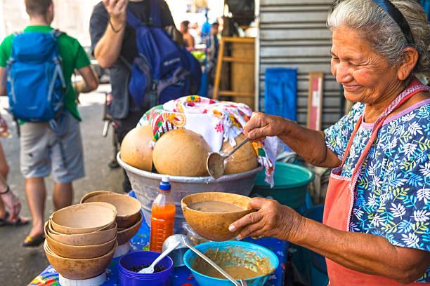 Mujer Salvadoreña - Banco de fotos e imágenes de stock - iStock