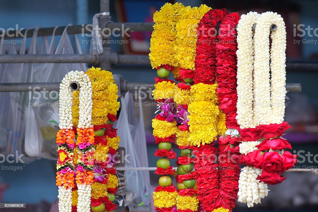 Traditional Thai garlands of colorful flowers foto royalty-free