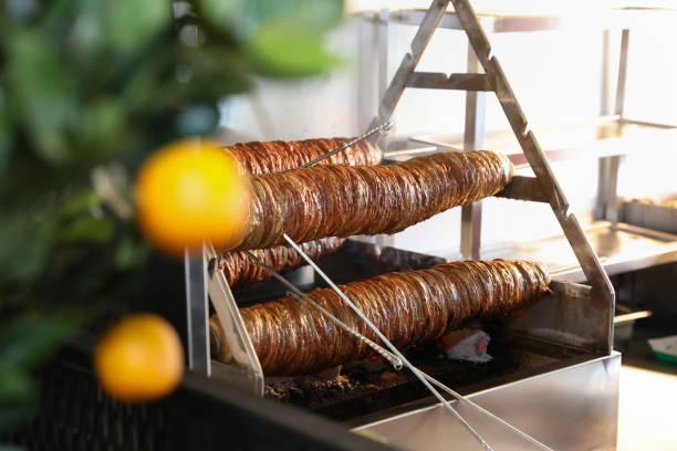 traditionell turkisk mat kokorec - kokoreç bildbanksfoton och bilder