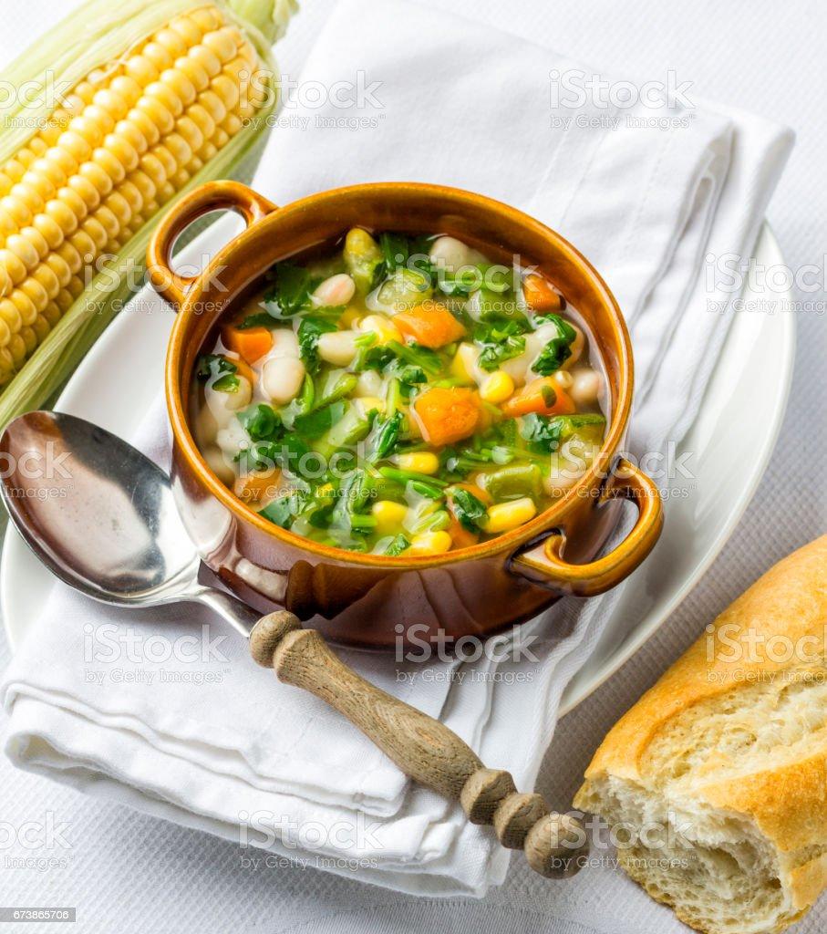 Soupe aux légume traditionnelle photo libre de droits
