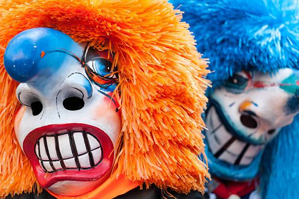 traditionelle waggis masken im basler fastnacht basel, schweiz - fasnacht stock-fotos und bilder