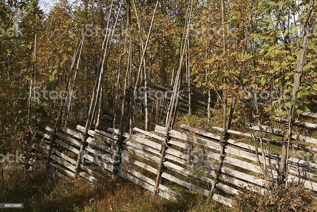Traditional wooden fence in Norway called skigard 免版稅 stock photo