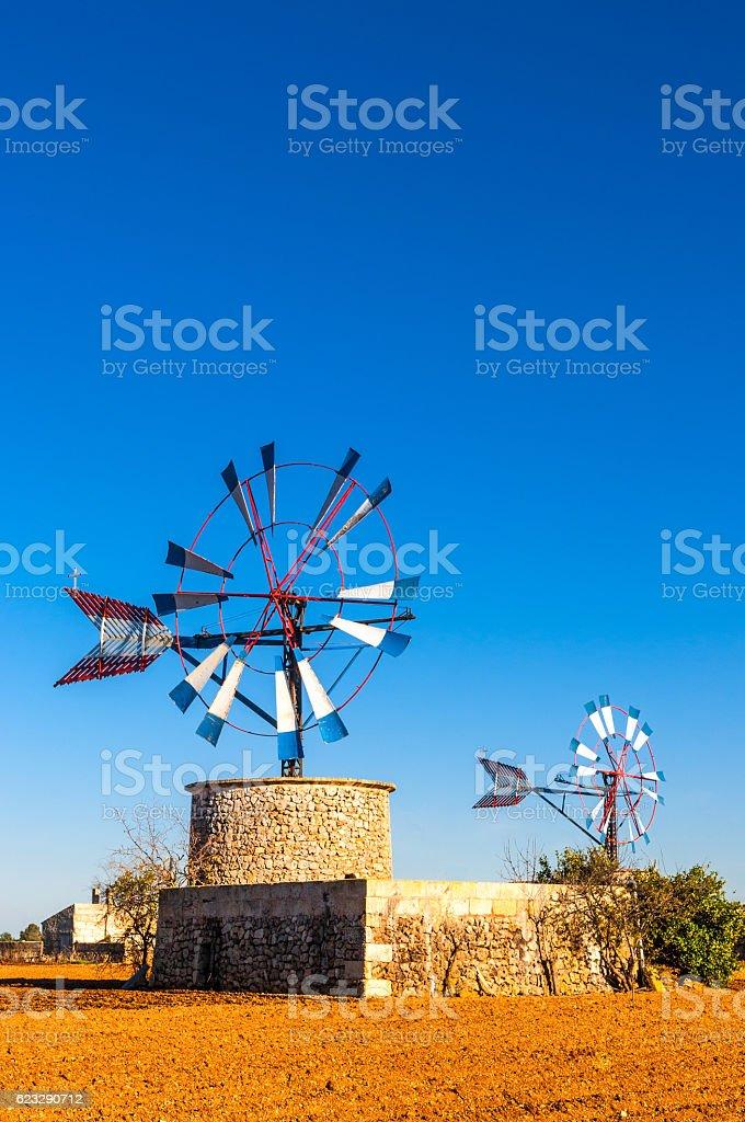 Traditionelle Windmühle auf Mallorca stock photo