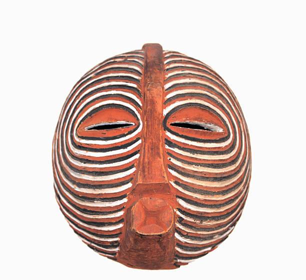traditioneller afrikanischer baluba kifwebe maske-nahaufnahme - afrikanische masken stock-fotos und bilder