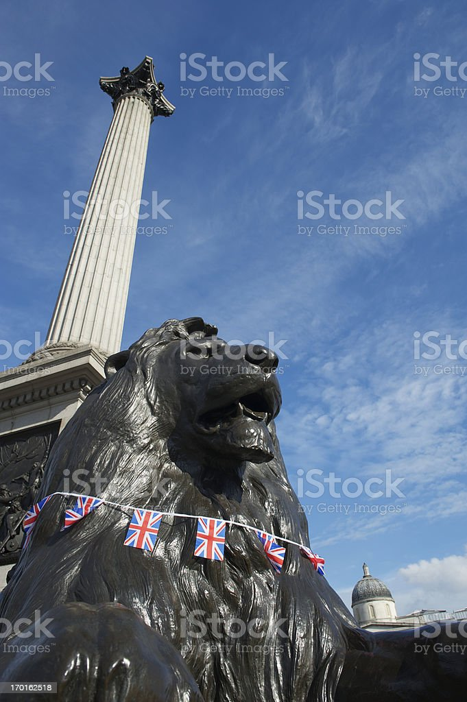 Trafalgar Square, Londres Union Jack gola Leão - foto de acervo