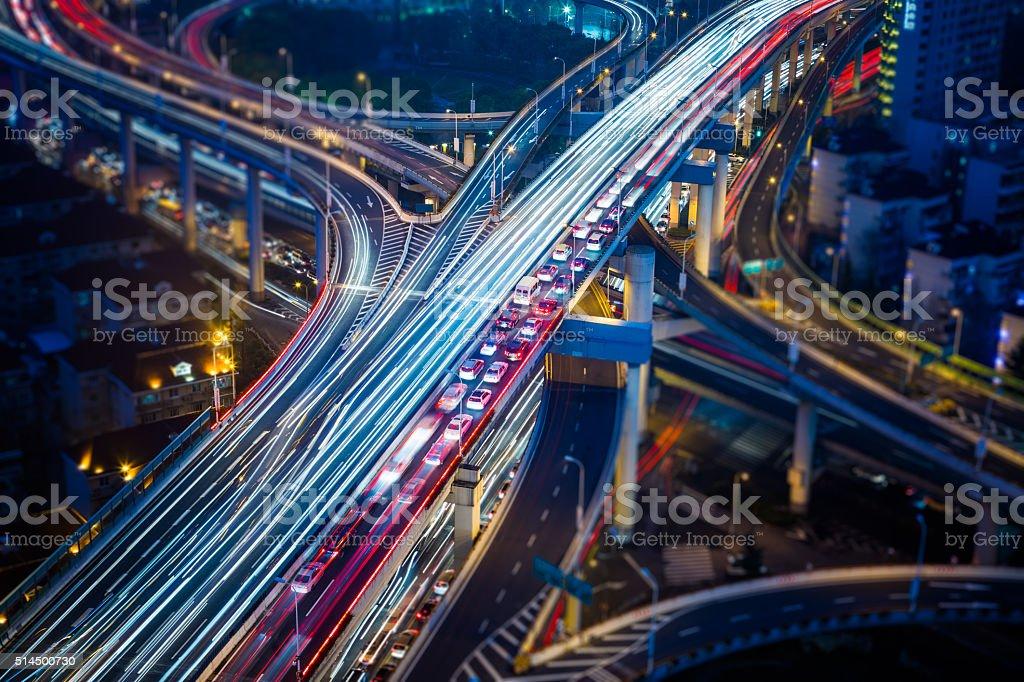 Verkehr in der Nacht – Foto
