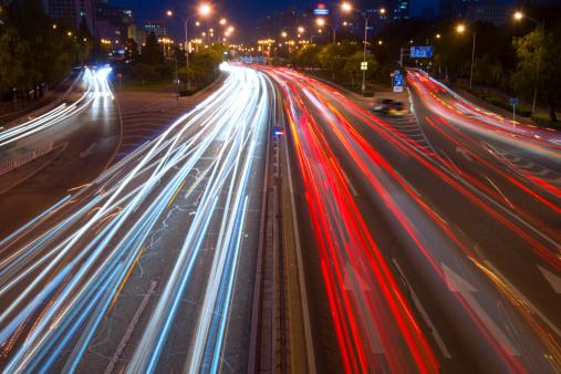 175130389 istock photo traffic city in night 181102367