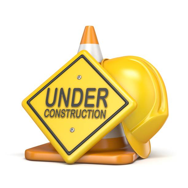 traffic cone with under construction road sign 3d - under construction icon foto e immagini stock