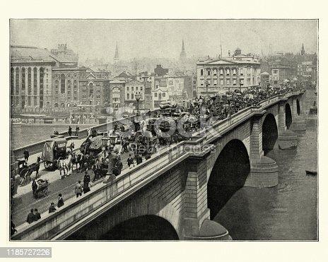 Vintage photograph of Traffic crossing London Bridge, Victorian London, 19th Century