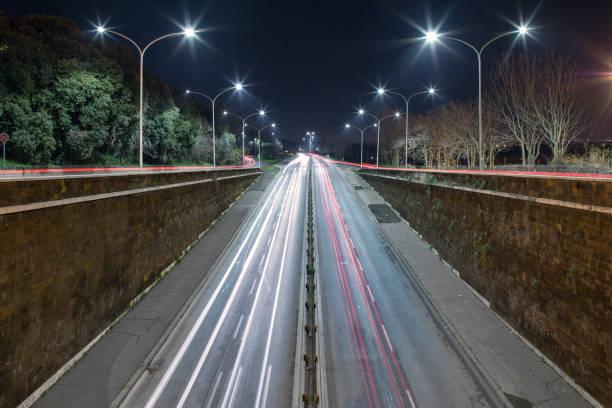 traffic flow - roma foto e immagini stock