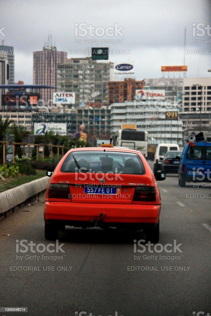 Traffic flow towards Abidjan's city center stock photo