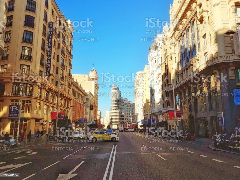 Tráfico en Gran Vía - Foto de stock de Aire libre libre de derechos