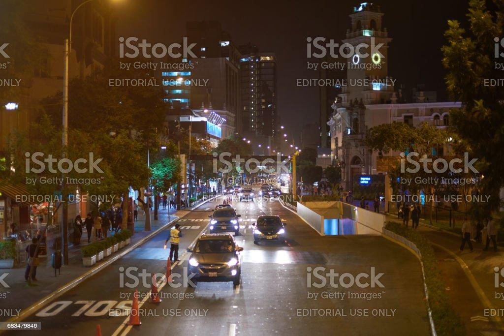 Tráfico en la ciudad de Lima - foto de stock