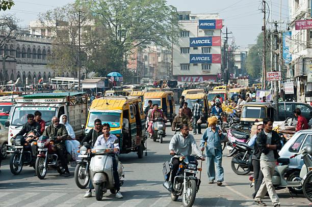 Traffic in the street of New Delhi, India圖像檔