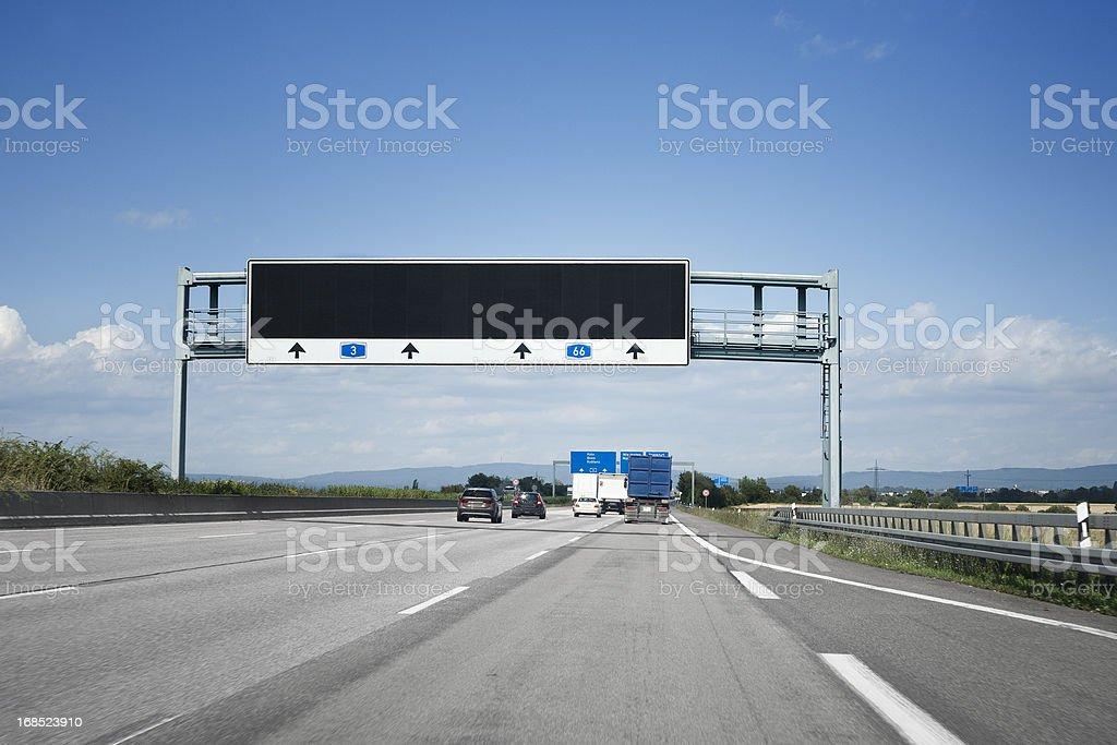 Traffic information system auf Deutsche autobahn A3 – Foto