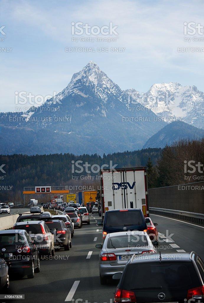 Stau auf der Brenner highway in den österreichischen Alpen – Foto
