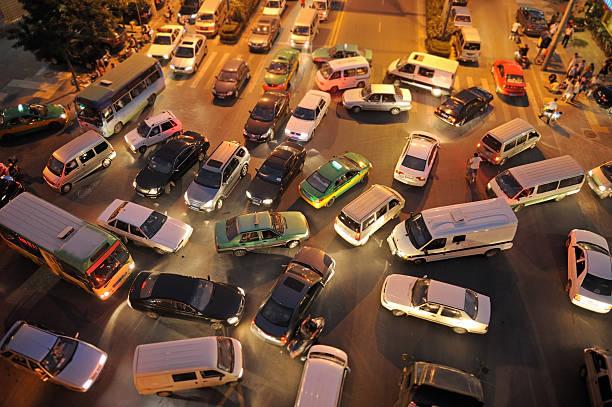 ingorgo stradale - queue foto e immagini stock