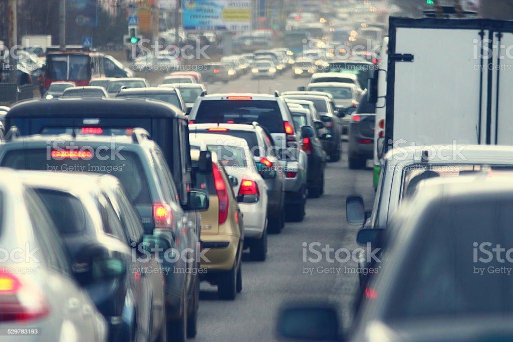 Los atascos en la ciudad, la calle, hora pico - Foto de stock de Aire libre libre de derechos