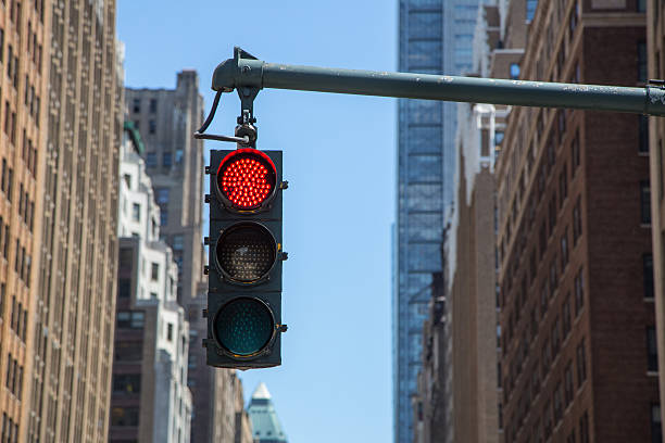 Traffic light on the background of skyscrapers in New York – Foto