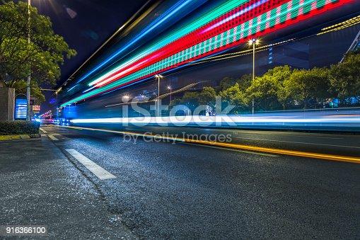 515009182 istock photo Traffic night of city 916366100
