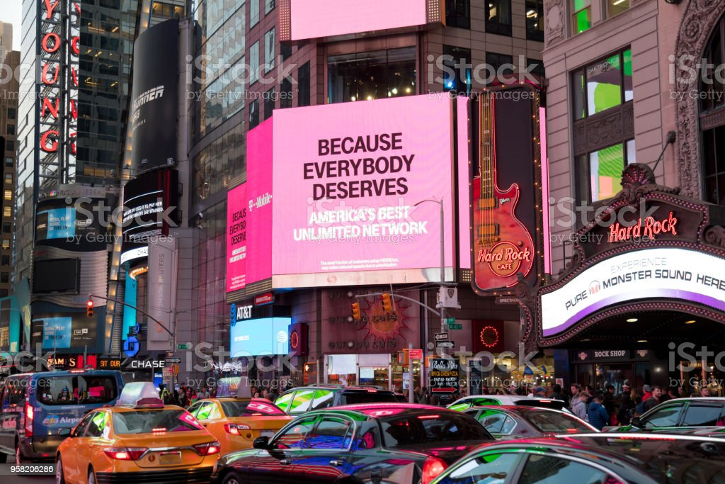Verkehr auf die 7th Avenue at Times Square, Manhattan, New York – Foto