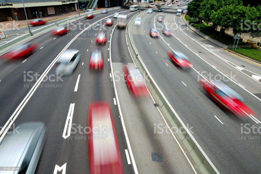 Verkehr auf Mehrspurige Strecke mit motion blur – Foto