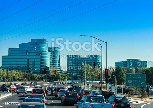 istock Traffic on the road to Oracle Headquarters in Redwood City 466077770