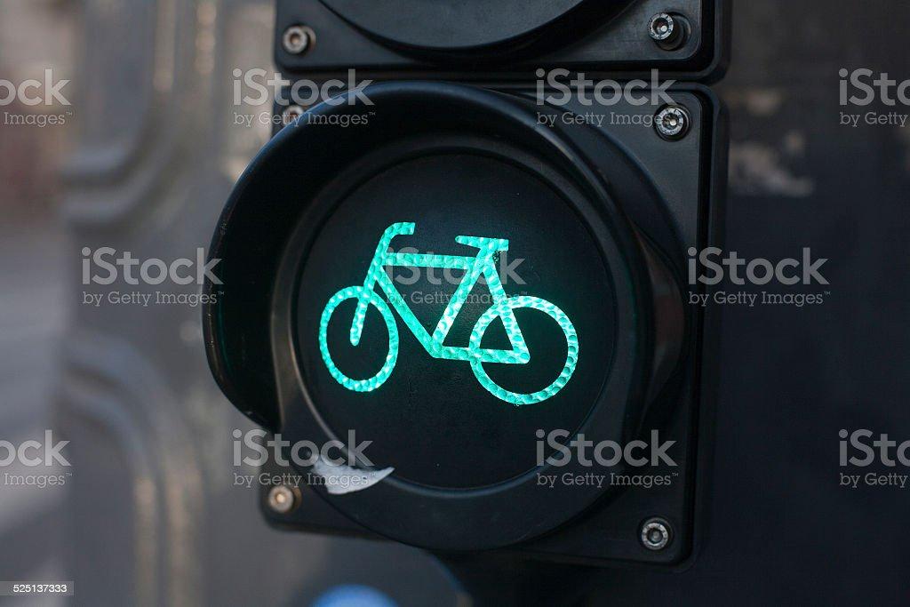 Sinal de tráfego para ciclistas - foto de acervo